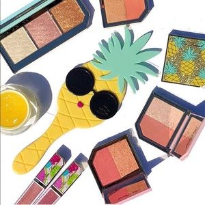BNIB Too Faced Pineapple Limited Edition Mirror